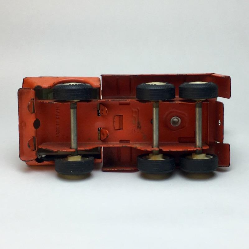 Tonka Mini Truck mit Ladekran Unterseite
