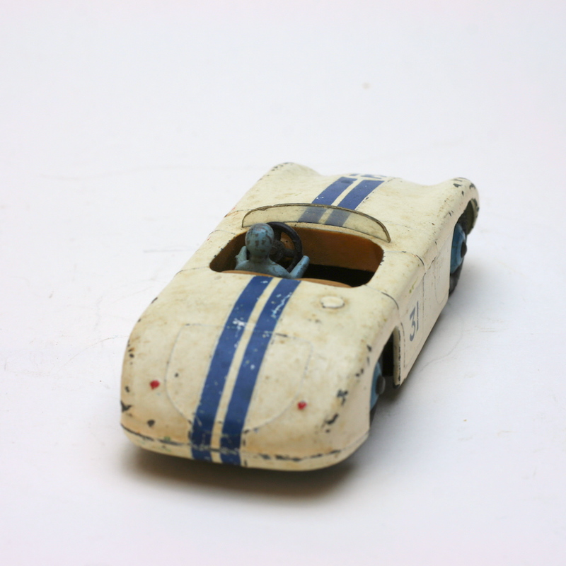 Dinky Toys 133 Cunningham hinten