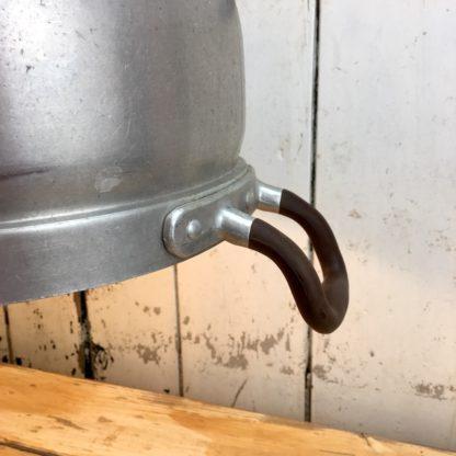 Upcycling Hängelampe Tischleuchte Alu Kochtopf Detail Griff