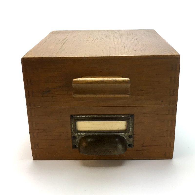 Kontor Karteikasten Holz A7 Metallgriff Register